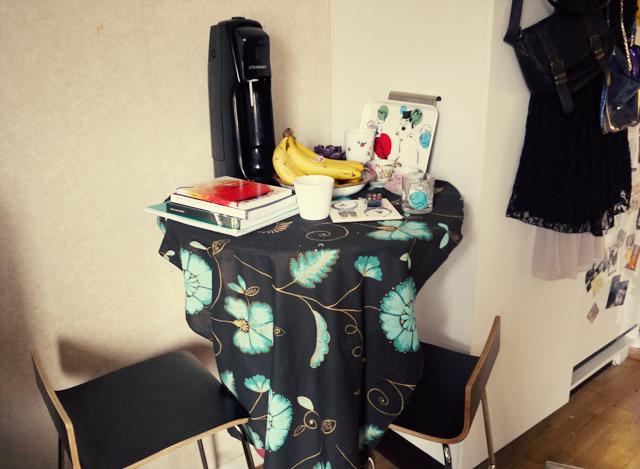 vanhapöytä